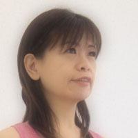 鹿毛 智子 (かげ ともこ)